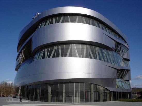 Mercedes_Benz_Museum01
